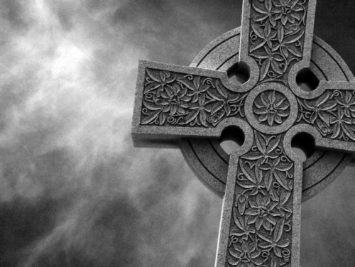 stone-cross-1497186-639x480